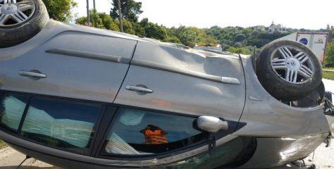Πατρών-Πύργου: Ο οδηγός του αυτοκινήτου έχασε τον έλεγχο και αναποδογύρισε